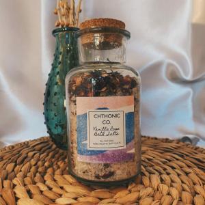Chthonic Co. Vanilla Rose Bath Salts 8oz
